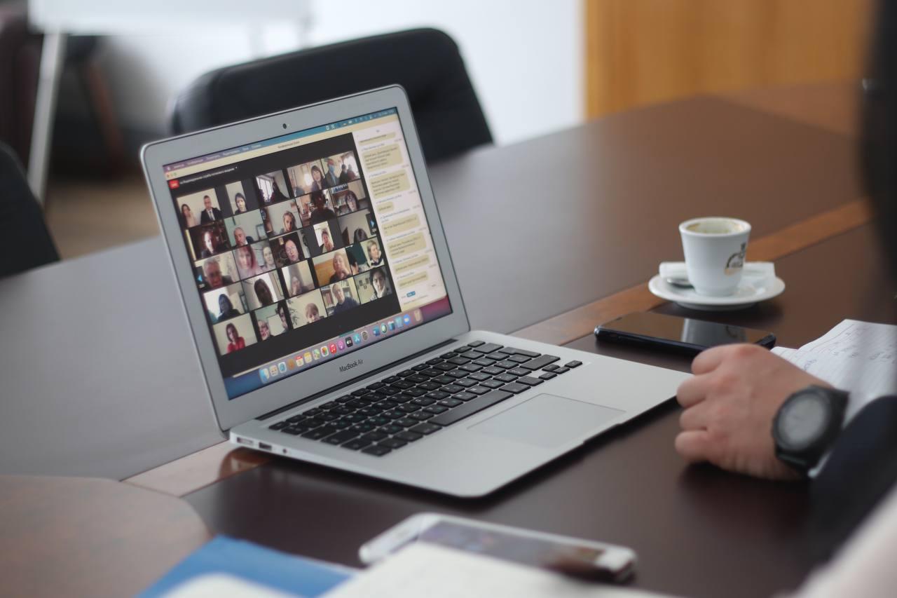 Онлайн-курс щодо цифровізації освіти Закарпаття стартував!