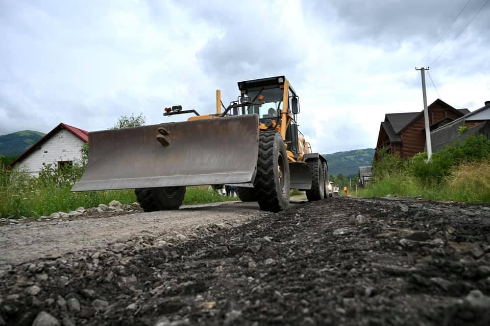 Анатолій Полосков разом із заступниками перевірило хід ремонтних робіт автошляху С 070605 Пилипець – Потік