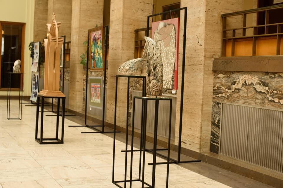 В ОДА відкрили виставку до 75-річчя мистецької освіти на Закарпатті (ФОТО)