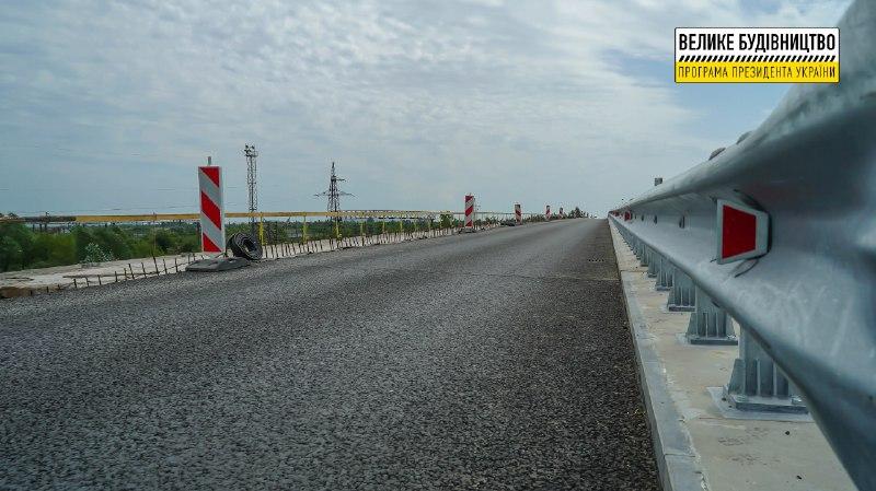 «Створення безпечних умов для руху автомобілів на автошляхах Закарпаття можливе за умови якісного ремонту дорожнього покриття», – Анатолій Полосков.