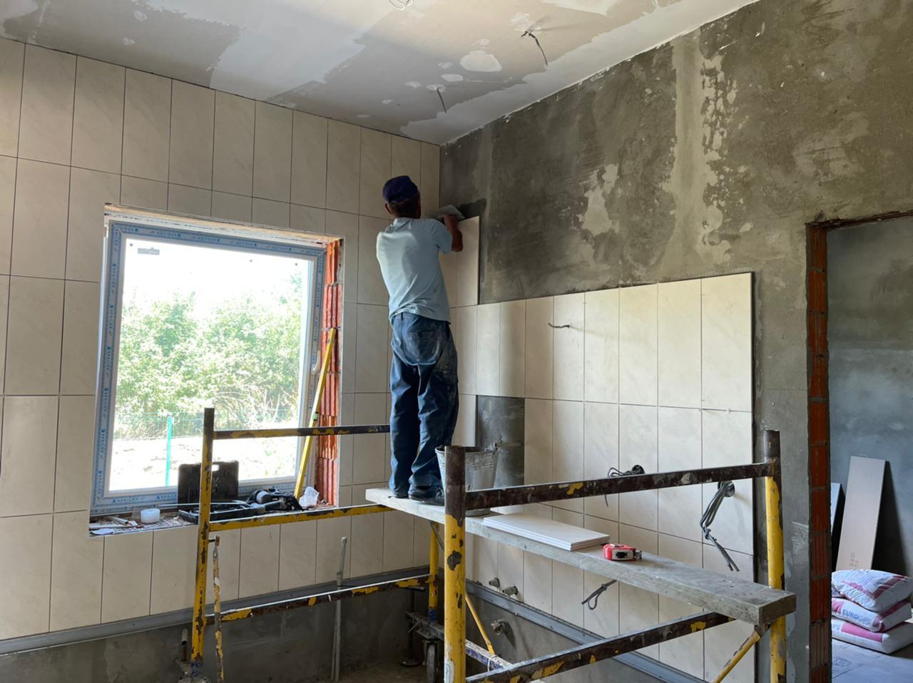 У селі Есень Ужгородського району будують нову амбулаторію